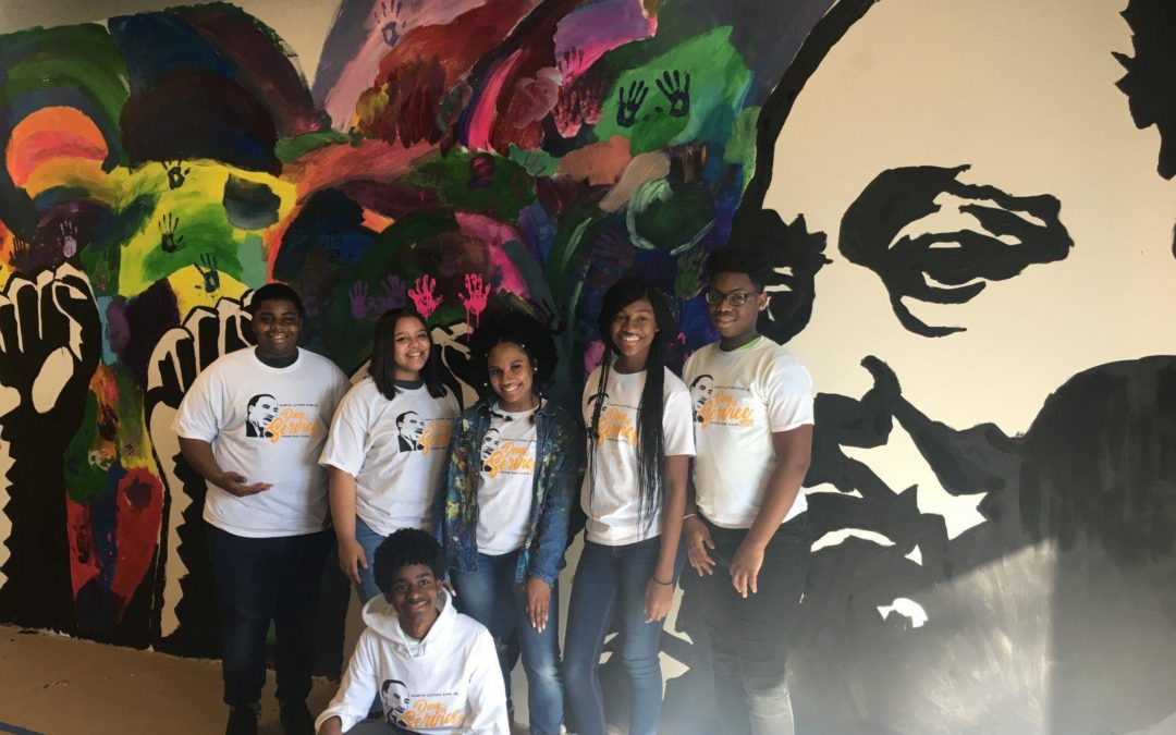 Dozens of students paint new mural honoring MLK in Wilmington